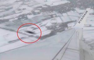 Sfiorata collisione tra aereo di linea e Ufo