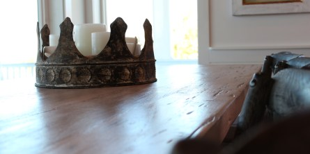Table and Crown