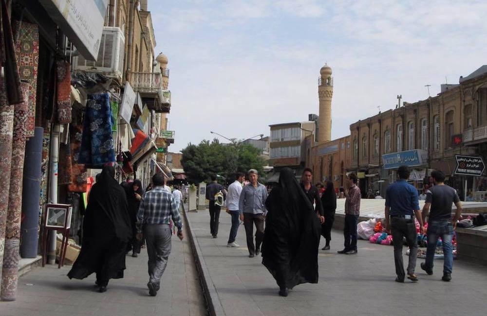 Lotta Eriksson, yksin Iranissa