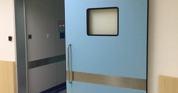 2 opciones de puertas abatibles para uso de gases medicinales