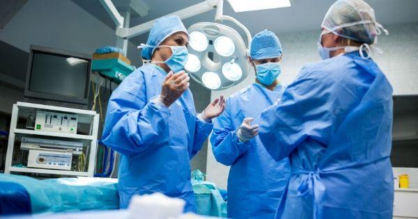 4 tipos de iluminación para salas de cirugía