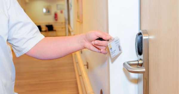 Secretos De Seguridad Y Acceso A Hospitales En El Siglo XXI