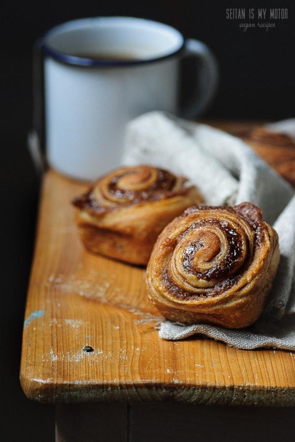 cinnamon buns with a chestnut swirl   seitanismymotor.com