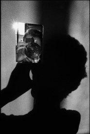 Ugo Mulas L'operazione fotografica. Autoritratto per Lee Friedlander, 1971. Fotografie Ugo Mulas © Eredi Ugo Mulas