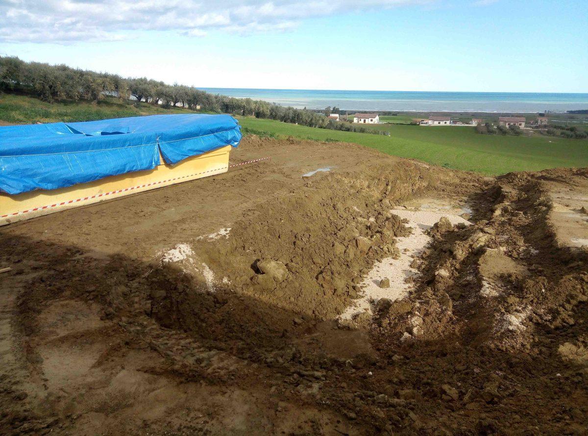 Villa con piscina in costruzione sequestrata dalla Gdf. Pochi giorni fa un caso analogo