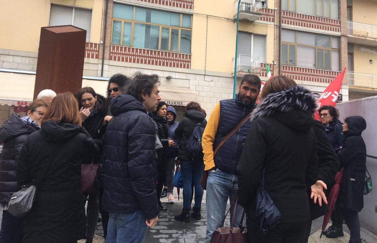Vertenza Sanstefar, dopo lo sciopero sindacati e lavoratori accolti a palazzo Vitale