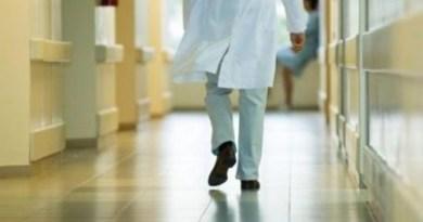 Caserta, shock in ospedale: donna legata al letto