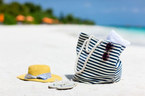 What To Pack For a Beach Vacation l Things You Need to Pack for a Beach Vacation l Checklist for Packing for a Beach Vacation l What to Pack for a Family Beach Vacation l What Clothes to Pack for a Beach Vacation