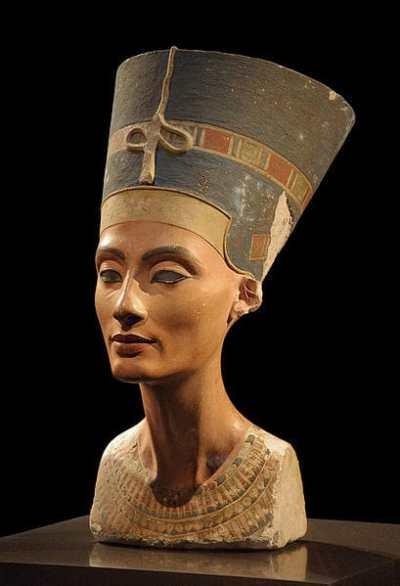 古代エジプト美術 ネフェルティティの胸像