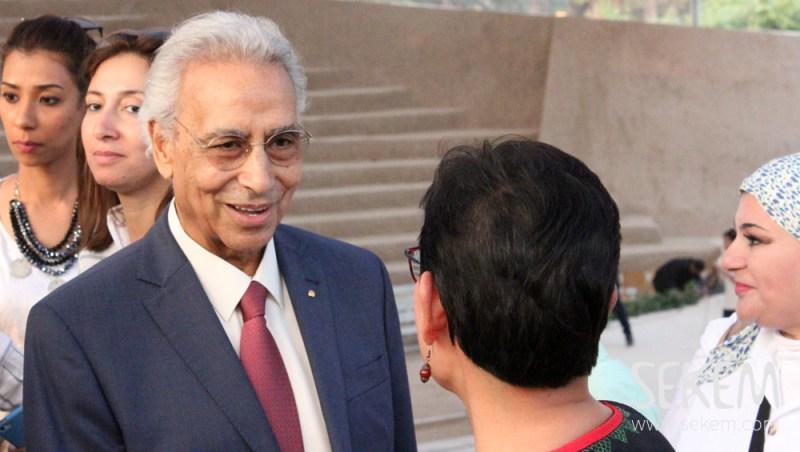 Dr. Ibrahim Abouleish begrüßt die vielen Gäste, die gekommen sind, um mit SEKEM zu feiern.