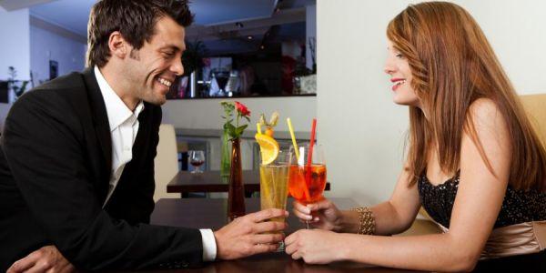 5 najlepszych tematow do rozmowy na randke