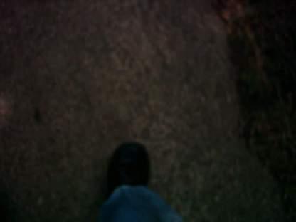 Letzte-Fotos-7-der-Fuß-auf-Straße