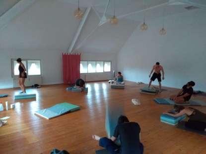 Dynamic Meditation -14 Tage Challenge & Drop In Class (NEUKÖLLN !) @ Wamos-Veranstaltungszentrum