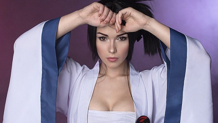 Sasuke Cosplay - Female - Mulher - Por Irine Meier - Foto Topo