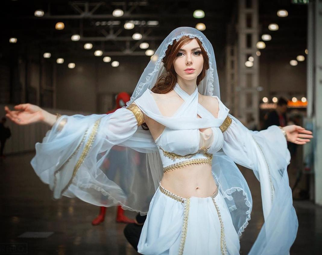 Lindo Cosplay Feminino da Gwynevere Princesa da Luz Solar - Dark Souls - Cosplays Femininos de Games 02
