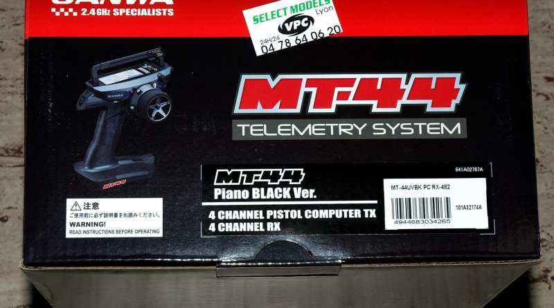 MT44 piano black