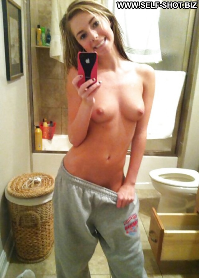 Monserrate Private Pictures Self Shot Teen Amateur Selfie Hot Babe