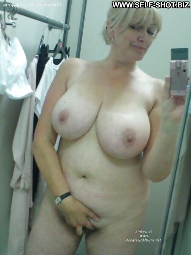 Stephani Private Pictures Self Shot Boobs Hot London Selfie Black Big