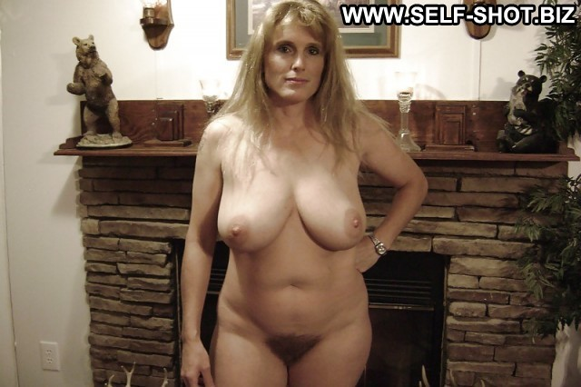 Gertrude Private Pictures Milf Selfie Amateur Hot Tits Ass Hat Self