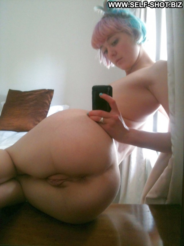 Yasmine Private Pictures Hot Ass Amateur Babe Self Shot Selfie Doll