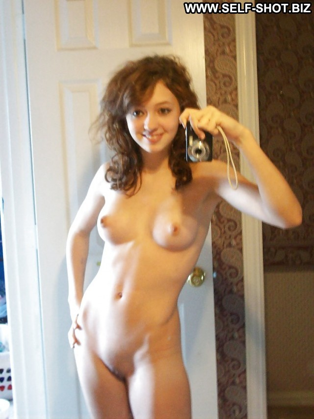 Myrtice Private Pictures Self Shot Hot Selfie Busty Teen Babe Usa