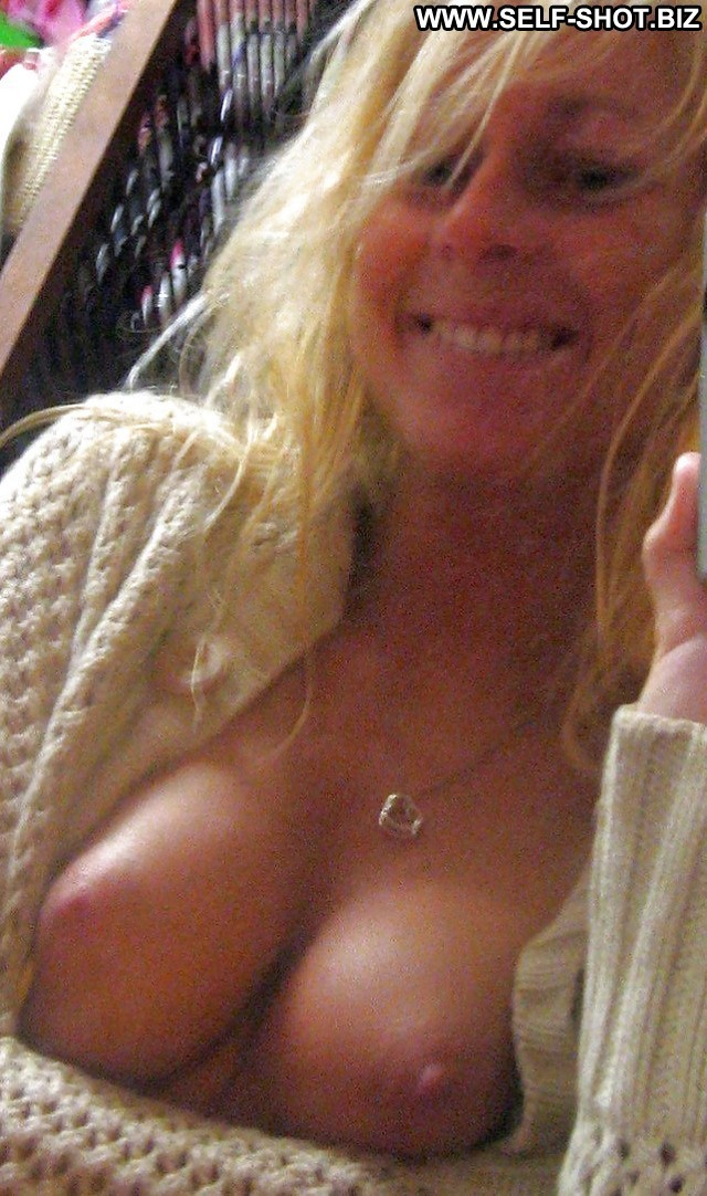 Valentina Private Pictures Blonde Milf Ass Self Shot Amateur