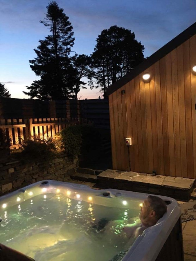 Hot Tub at Hillview Cottage
