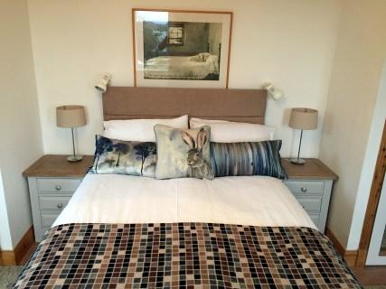 bedroom-left2000x1500