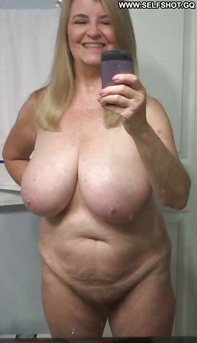 Kimberlee Private Pictures Big Boobs Self Shot Naughty Camel Toe Hot