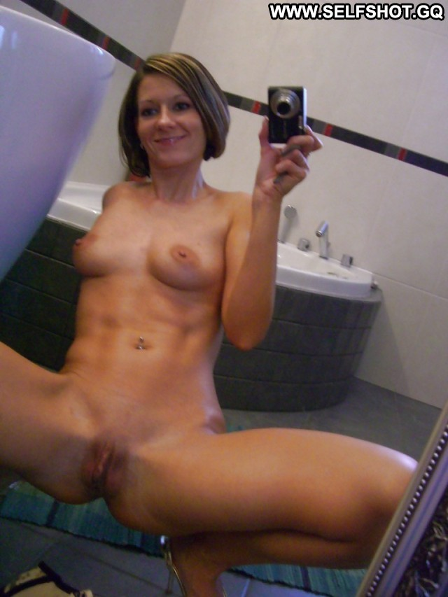 Roseanne Private Pictures Amateur Biker Ass Self Shot Milf Hot Self