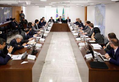 Bolsonaro assina Projeto de Lei Anticrime