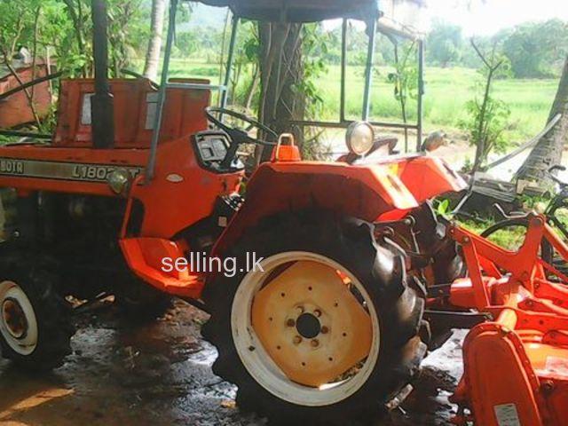 John Deere Tractor Kubota L1802dt