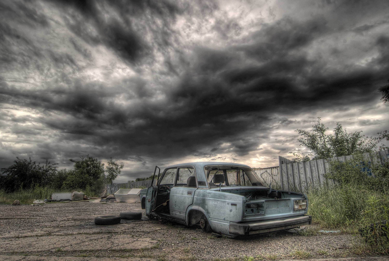 Junk Car Buyers Tampa | 813.699.2278 | sellmyhoopty.com