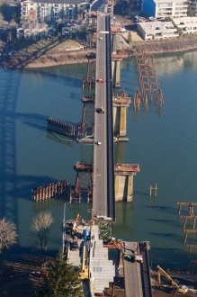sellwood_bridge_moves_inch_by