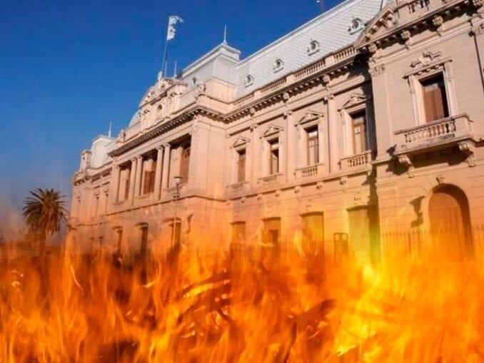 La Casa Rosada en llamas: Alberto Fernández busca evitar que el kirchnerismo duro cope de candidatos el FdT