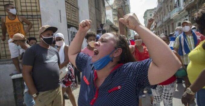Cuba amaneció con control policial y sin internet móvil