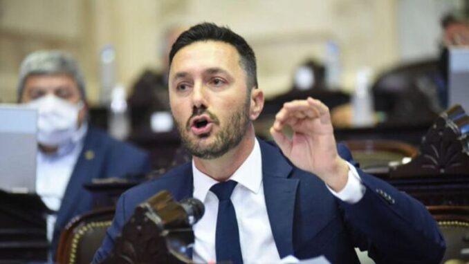 Escándalo de la docente K: La oposición presentó un proyecto de ley contra el adoctrinamiento político en las escuelas