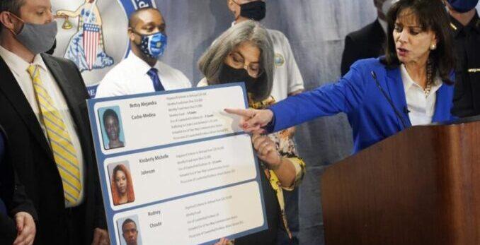 Arrestan a los ladrones de identidad de las víctimas del derrumbe en Miami