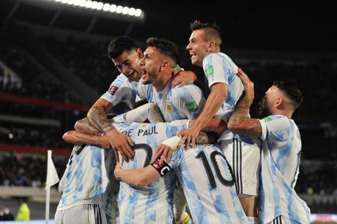 Argentina se floreó ante Uruguay: lo goleó y está cada vez más cerca de Qatar
