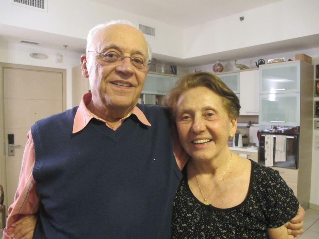 Itzjak y Rajel Shefi, en su casa en Jerusalem, cuando la entrevista