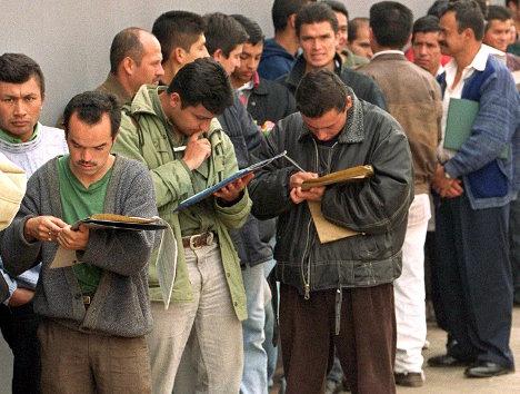 La población en edad de trabajar, es muy alta en Colombia.