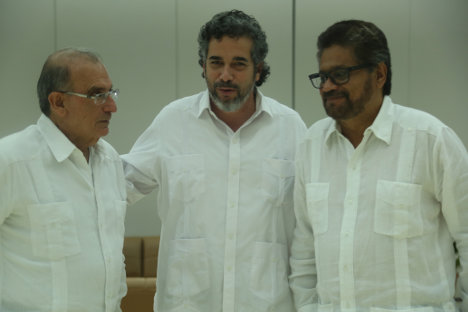 Humberto De La Calle, Rodolfo Benítez e Iván Márquez, el pasado 23 de septiembre, día de la firma del acuerdo sobre la Jurisdicción Especial de Paz.