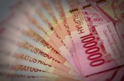 Atur keuangan saat sewa mobil Semarang