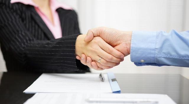 Tips Aman Berteman dengan Musuh Si Bos