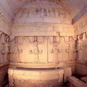 Thracian tombs in Kazanlak and Sveshtari