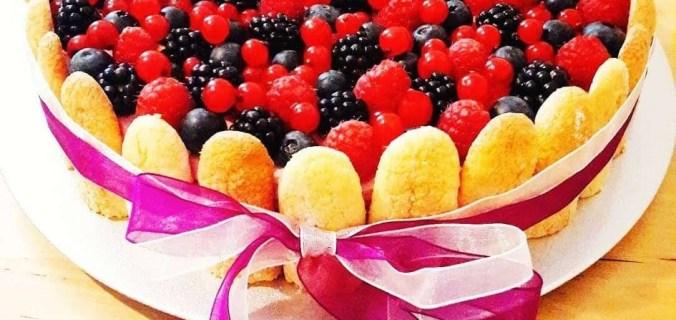 Charlotte ai frutti di bosco con mousse al cioccolato bianco 1
