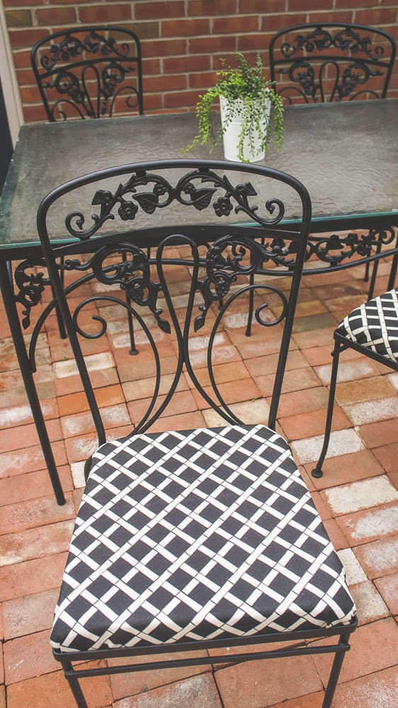 how to paint wrought iron furniture the