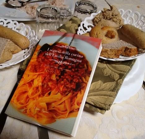 """2016.05.08 – """"Attualità e Meraviglie de La Secchia Rapita"""" di Gian Carlo Montanari alla Libreria Emily Bookshop (Mo)"""
