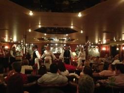 Folklore húngaro a bordo, en Budapest