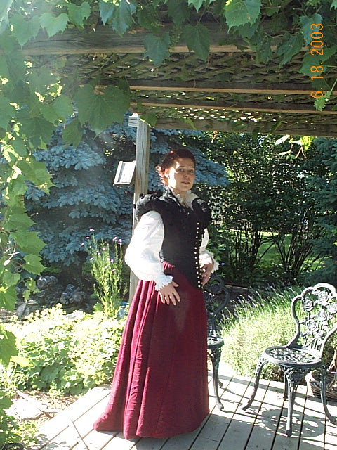 Middle Class Doublet and Kirtle (2003) - Sempstress
